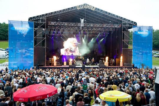 KERLI LIVE LAULUVÄLJAKUL 2009